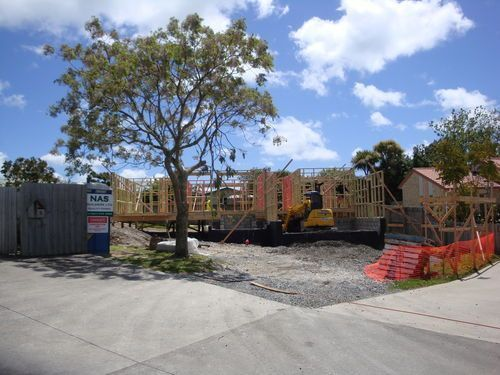 Glesan pl,Beachlands. Wall framing going up.