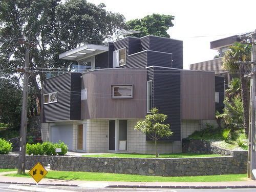Vale rd, St Heliers bay. New home clad with vertical and horizontal cedar