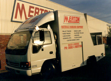 merton truck Removals & storage | man & van hire | mot servicing - cheap removals in sw19, van rental and truck hire call hunt trucks sw19 merton today to book yours.