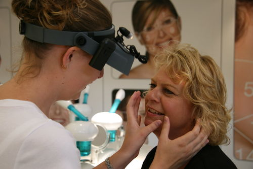Our qualified therapists will analyse your skin with a free Face Mapping skin analysis