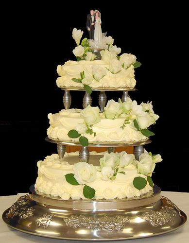 Wedding Cake with Pillars 3 Tiers