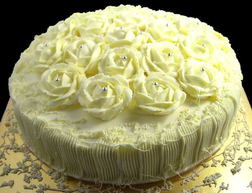 White Garden Gateau