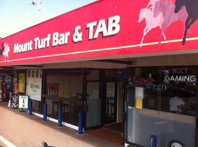 Mt turf bar tab mount maunganui localist for Xi an food bar mt albert