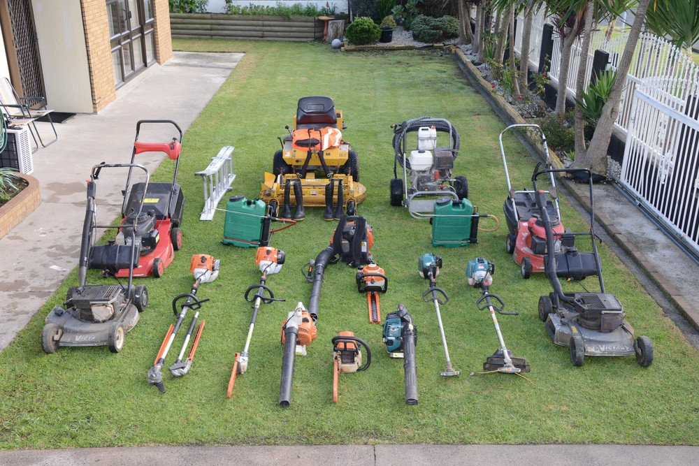Krish mowing service papatoetoe localist for Vip lawn mowing services
