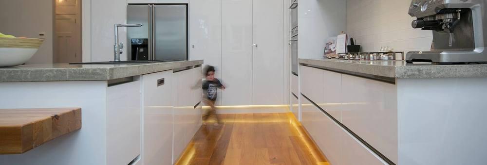 Moda kitchens new lynn localist for Kitchen ideas new zealand